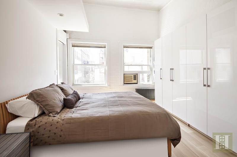 Soho Loft 75 Grand St bedroom
