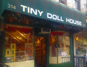 Leslie Edelman of Tiny Doll House, Leslie Edelman, Tiny Doll House, Leslie Edelman nyc, Tiny Doll House new york, Tiny Doll House upper east side, dollhouse shops, where to buy dollhouses, where to buy dollhouse furniture