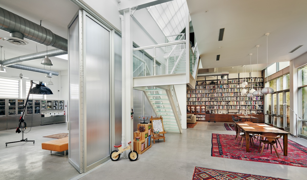 bwarchitects u0026 39 s artist loft juxtaposes a gritty brooklyn warehouse with warm interiors