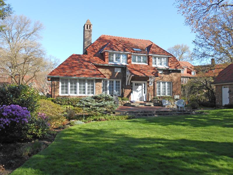 Forest hills gardens a hidden nyc haven of historic for Houses for sale near nyc