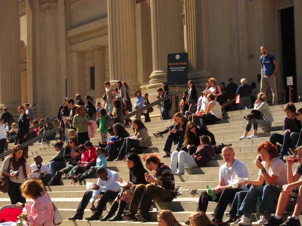 met museum steps, met museum, metropolitan museum of art