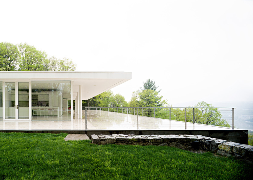 Alberto Campo Baeza, Olnick Spanu House, modern home, Arte Povera, minimalist home, Hudson River, Garrison, glass box, glazed skin home, canteliver roof, art gallery