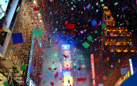 times square confetti falling, times square crowd, times square new year's eve