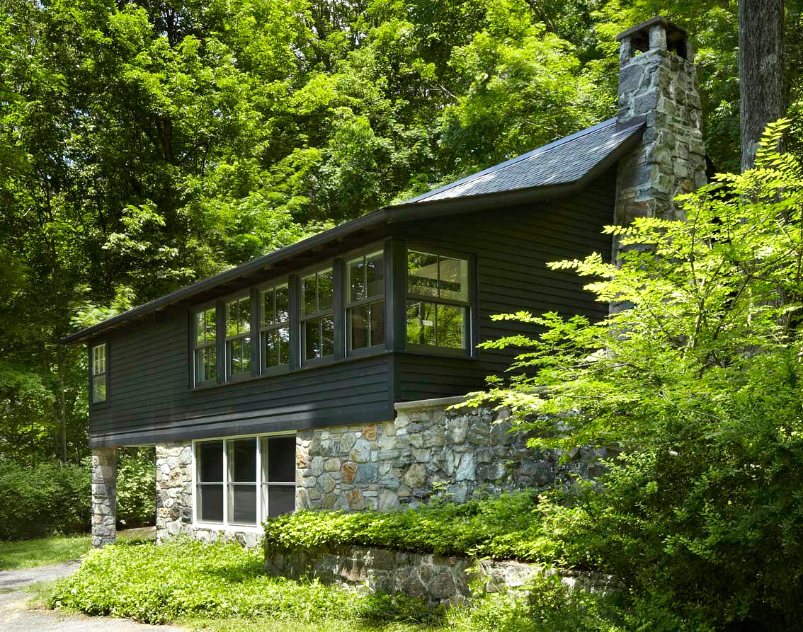 A 1960s Upstate Log Cabin Transformed Into A One Room Family Home