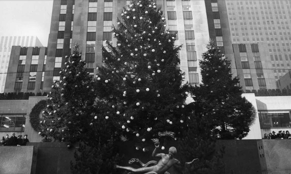 The History of the Rockefeller Center Christmas Tree, a NYC Holiday ...