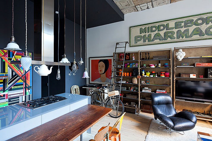 Chelsea apartment is flea market chic with a pop art punch for Modern home decor market