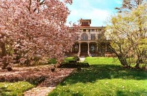 2475 Richmond Road, haunted Staten Island mansion, Egbertville