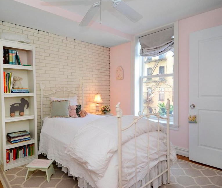 244 Hall Street, renovated Carriage House, private two-tiered landscaped garden, views of Pratt Sculpture Garden