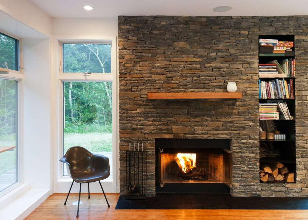 Res4 39 s modern prefab home beautifully combines wood and for Prefab outdoor fireplaces