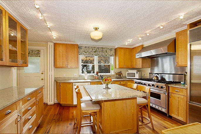 28-2nd-street-kitchen