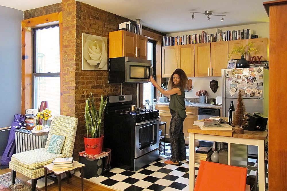 Be My Roommate Live In A Cobble Hill Apartment Steps From Transit