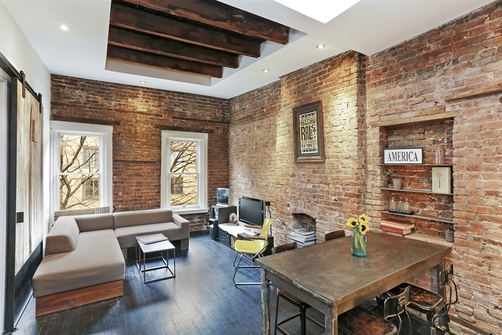 Rustic Meets Industrial Chelsea Pad Is Like A Parisian