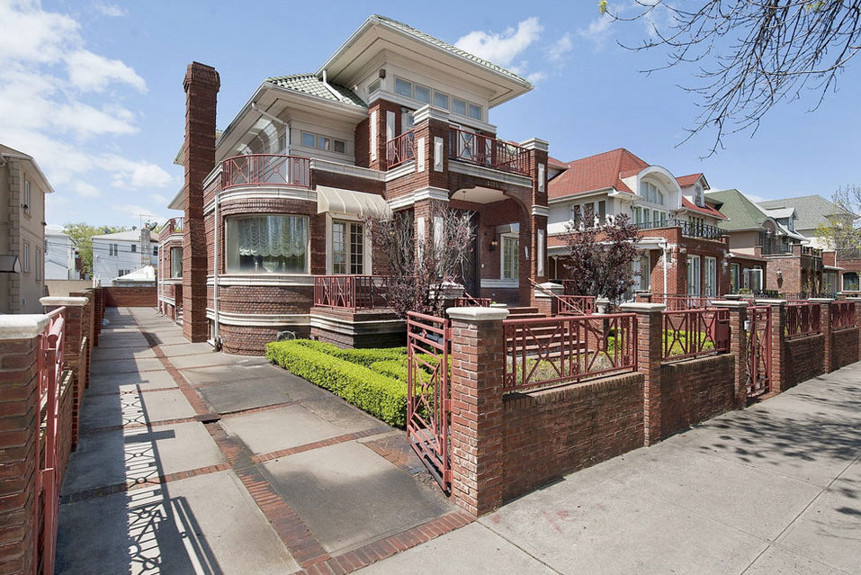 2134-ocean-parkway-gravesend-brooklyn-mansion