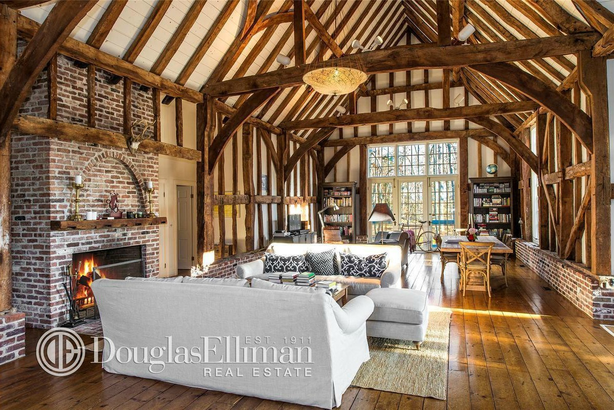 Beautiful 17th Century Barn Shipped Over From England Asks