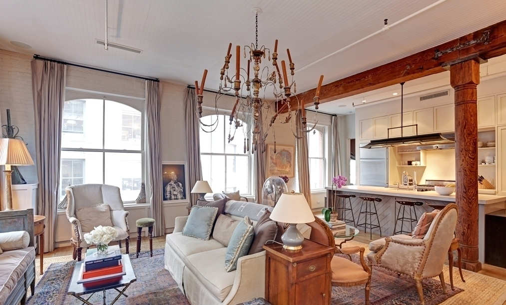 shabby chic soho loft featured in elle decor asks 3m 6sqft. Black Bedroom Furniture Sets. Home Design Ideas