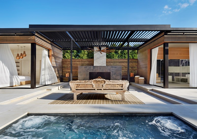 Icrave mixes cedar and steel to create this modern for Pool design hamptons