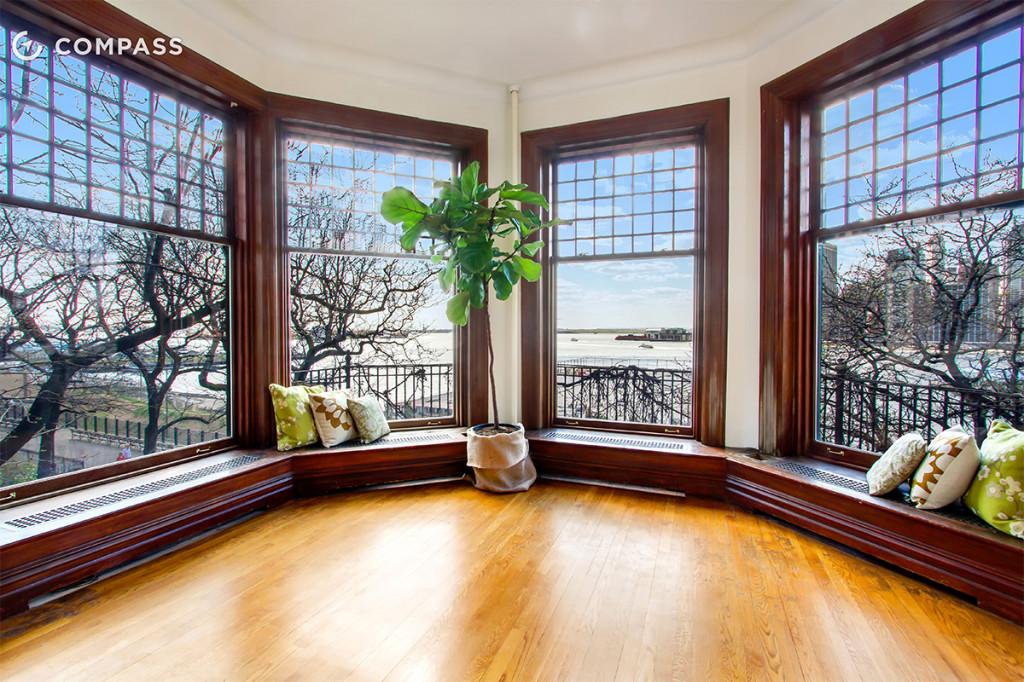Brooklyn heights apartment has amazing windows for amazing - Brooklyn apartment interior design ...