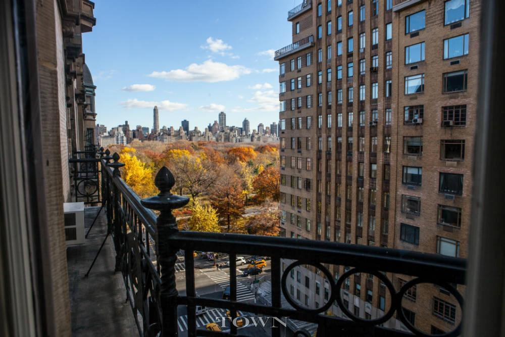 The Dakota, 1 West 72nd Street, Roberta Flack, NYC celebrity real estate