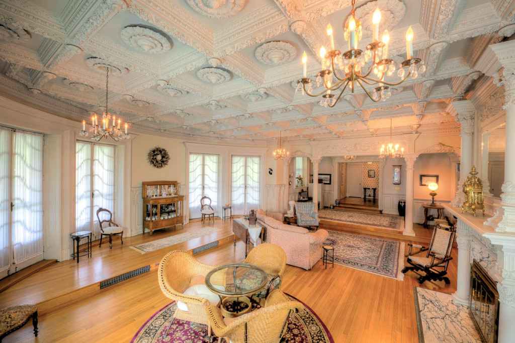 For Just 825k You Can Live Like A Governor S Daughter In