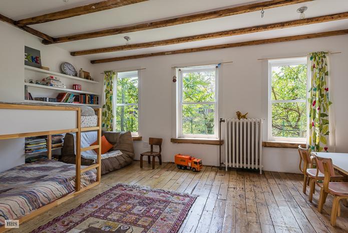 Downing Street, Nadine Adamson, summer rental, private backyard