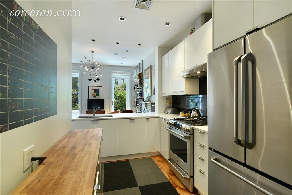 $5,100/Month Prospect Heights Townhouse Duplex Is So Brooklyn | 6sqft
