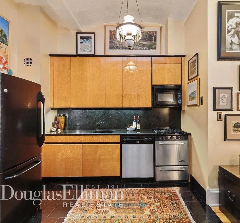39 East 12th Street, kitchen, co-op