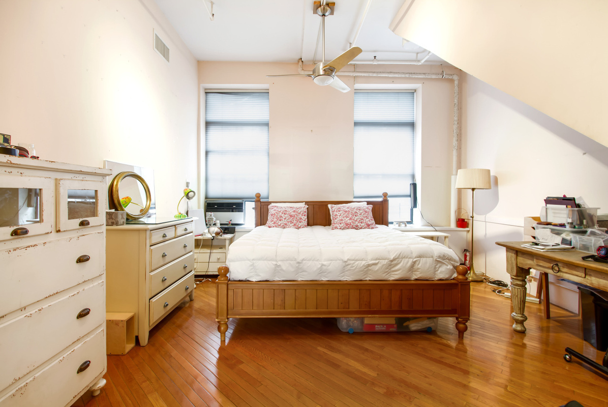 20-26 Greene Street, SoHo, bedroom, loft