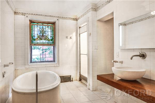 851 Park Place, Crown Heights, bathroom, townhouse, rental