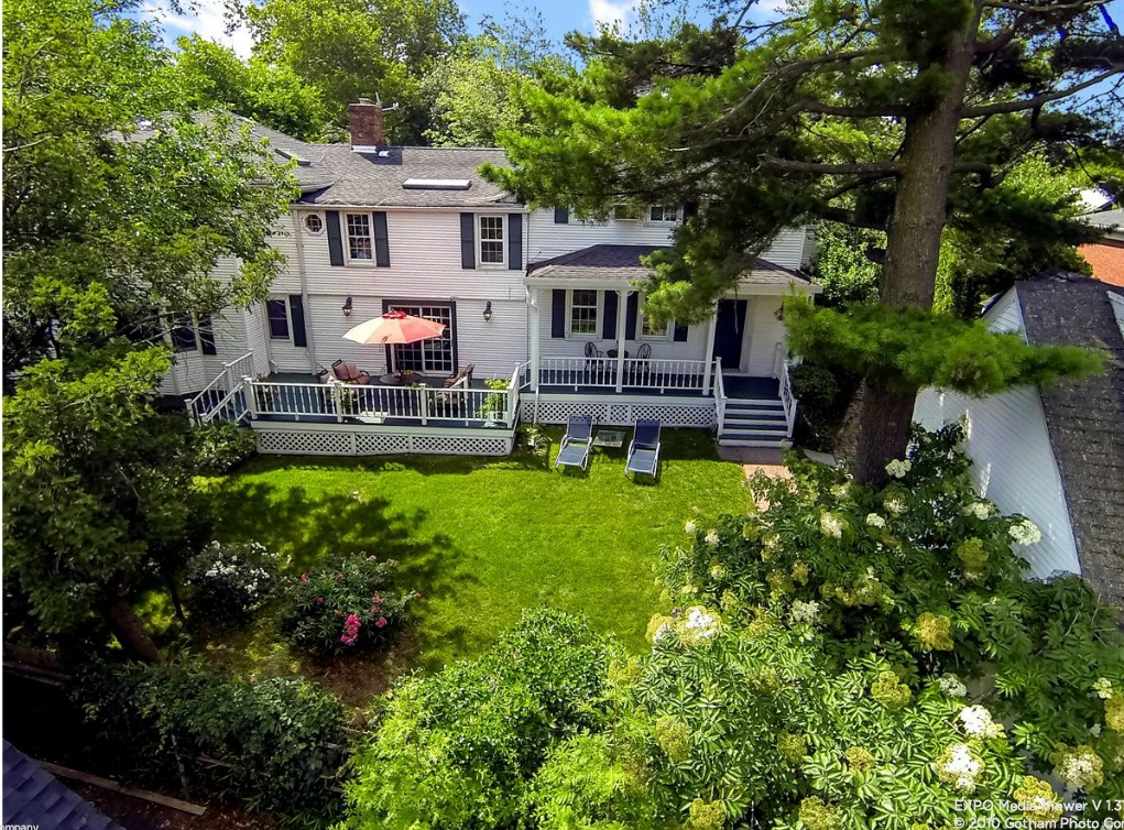 221 Arleigh Road, Douglaston, Queens, colonial