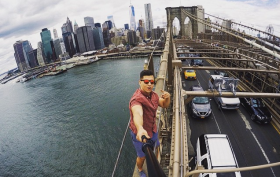 urban explorer, David Karnauch, brooklyn bridge, selfie stick, instagram
