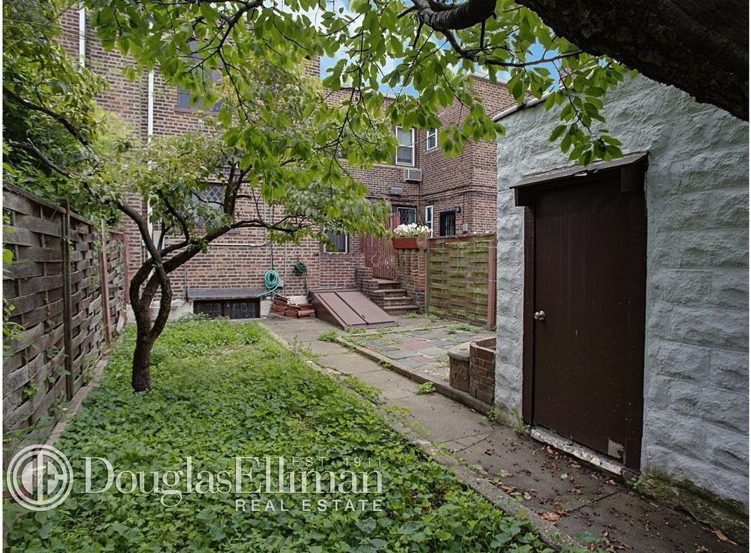 130-14 229th Street, queens, single-family home, backyard