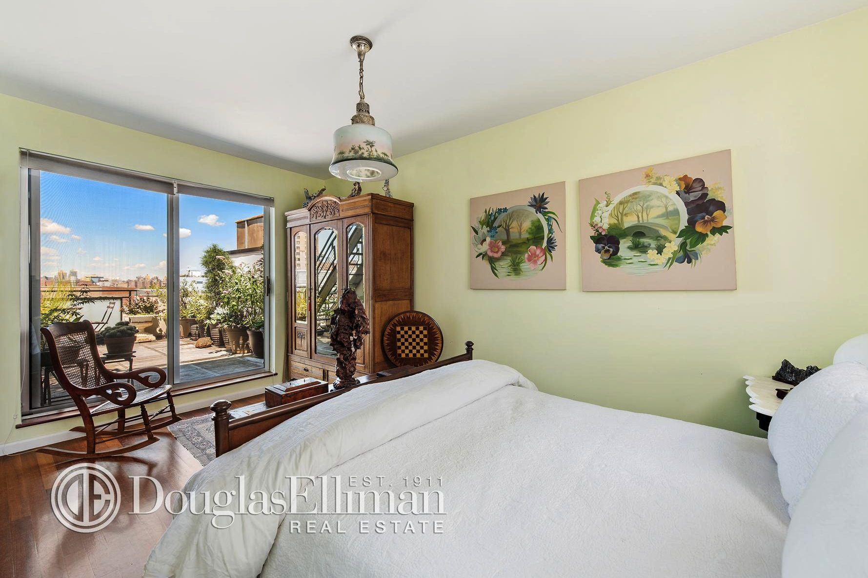 257 Berry Street, Williamsburg, rentals, bedroom