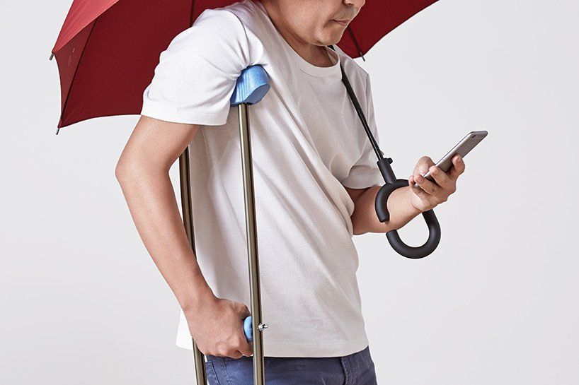 phone-brella, umbrella design, kt design, Red Dot Design Awards, texting while walking