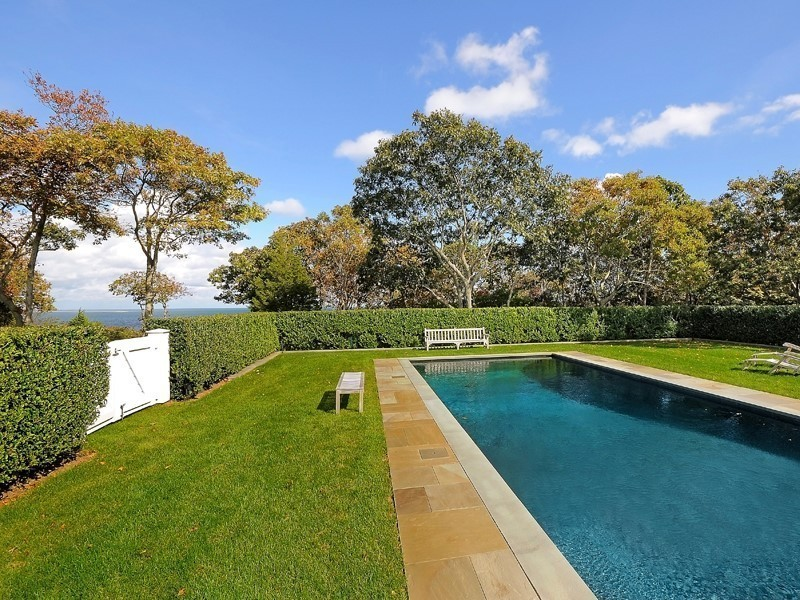 Inside Hillary and Bill Clintons\' Sprawling $100K Hamptons Rental ...