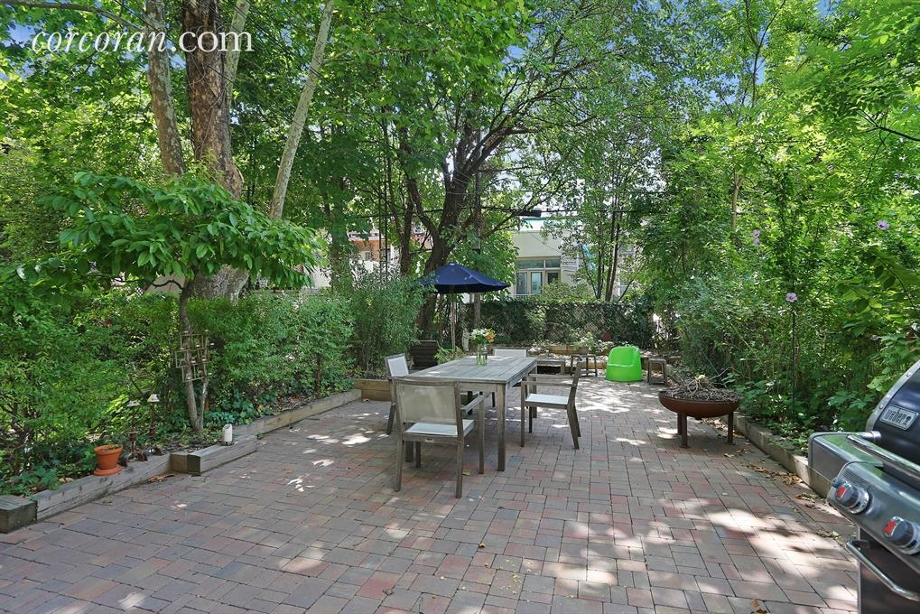 152 Luquer Street, Brooklyn, townhouse renovation, Carroll Gardens, backyard
