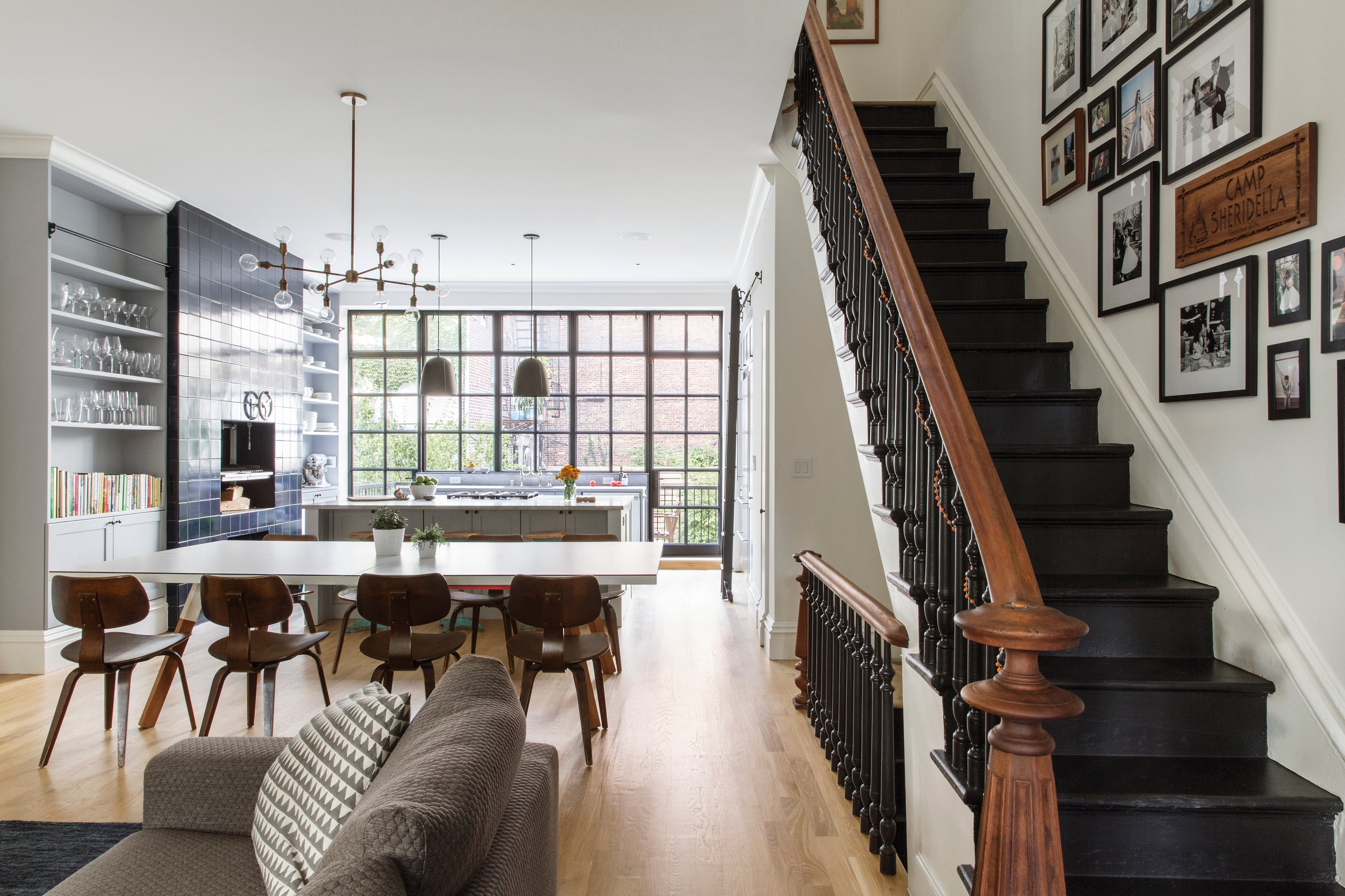 Elizabeth roberts combines styles for a traditional yet for Klassiek modern interieur