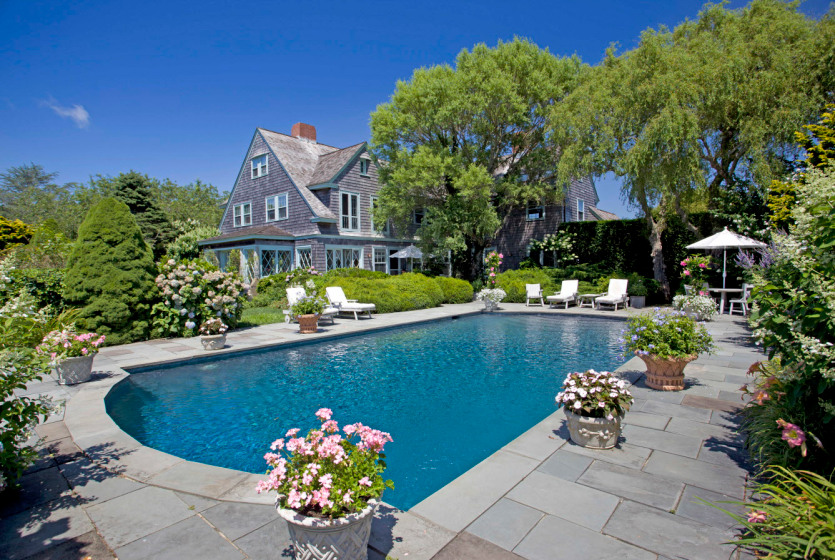 Spend the holidays in the infamous 28-room Grey Gardens estate | 6sqft