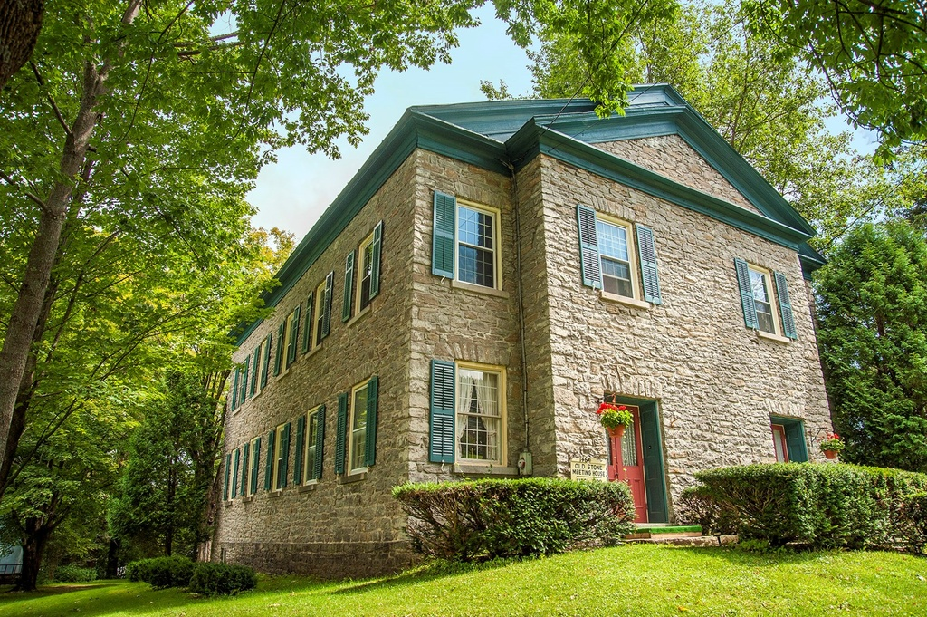 It 39 s only 275 000 to live in this old stone meeting house for Upstate new york houses