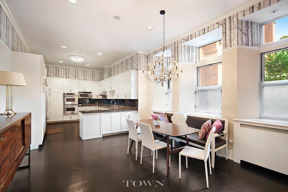 455 Central Park West, New York Cancer Hospital, Upper West Side, Manhattan Valley, Cool Listings, Round rooms, Historic Homes, RKT&B, Quirky Homes, Manhattan condos for sale,
