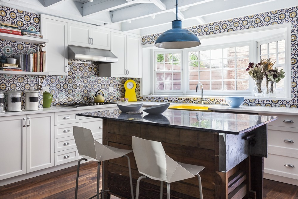 village kitchen design jen morris infuses bold design accents into this vibrant 3152