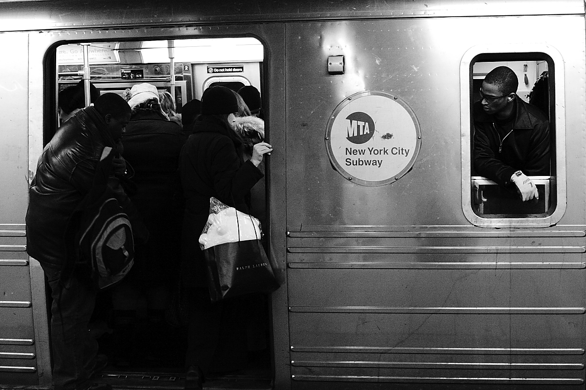 Posted On Thu October 15 2015 By Dana Schulz In Daily Link Fix. Ever wonder why some subway doors ... & Why Only Some Subway Doors Open When You Push Them; Inside Target\u0027s ...