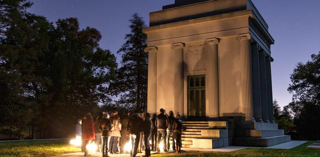 sleepy hollow cemetery tour, Sleepy Hollow Cemetery, Halloween events, Washington Irving