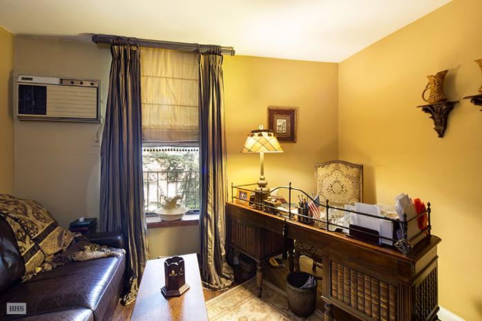 403 East 87th Street, sitting room, triplex, co-op