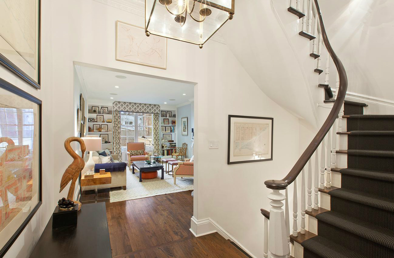 This upper east side townhouse makes up in charm what it for Manhattan townhouse for sale