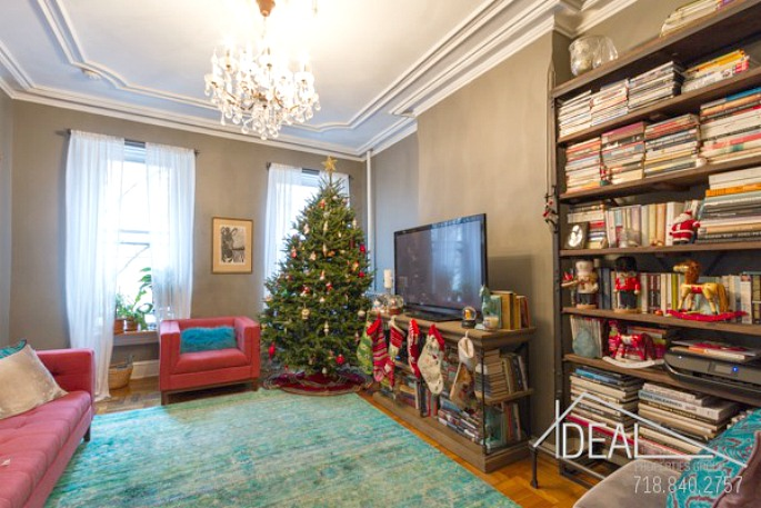 416 henry street, christmas tree, living room, rental,