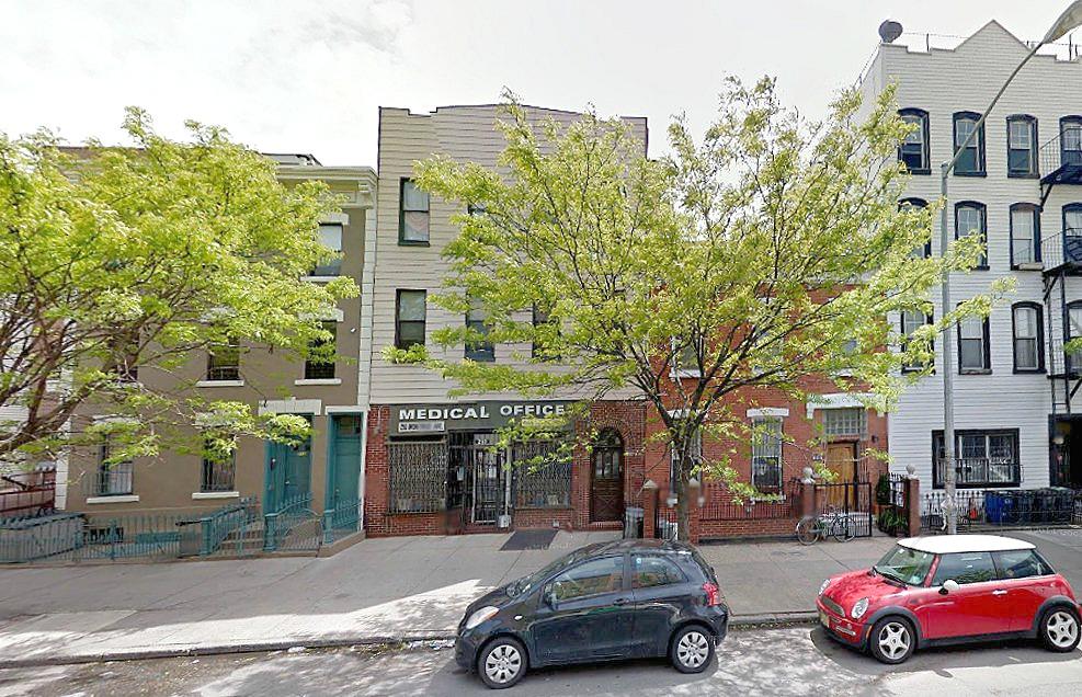210 Montrose Street