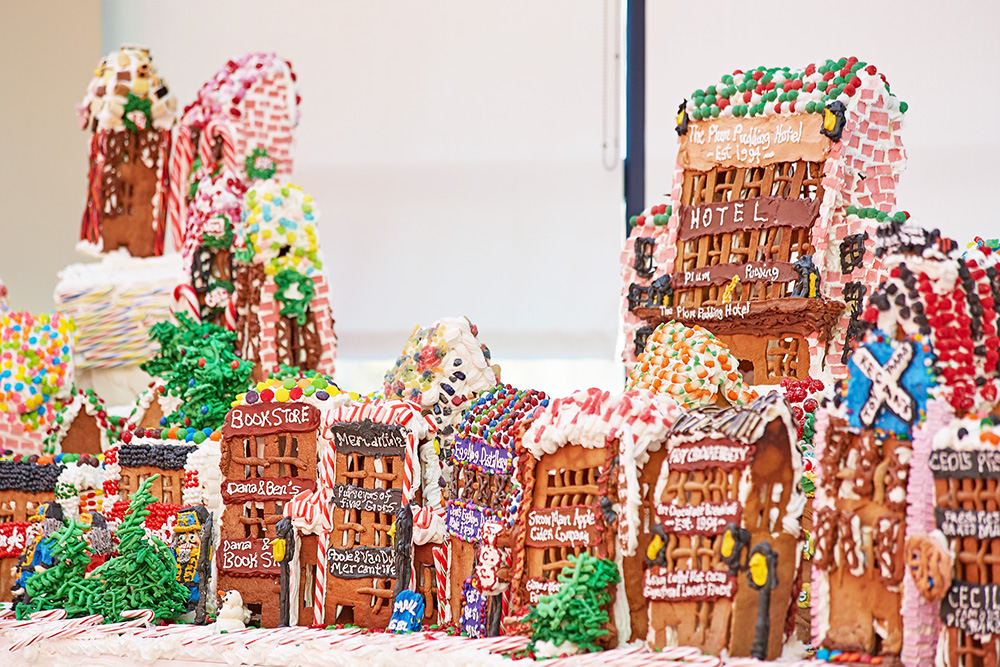 jon lovitch, GingerBread Lane, New York Hall of Science exhibits, New York Hall of Science gingerbread house, world's largest gingebread house, world's largest gingerbread exhibit, Guinness World Records gingerbread house