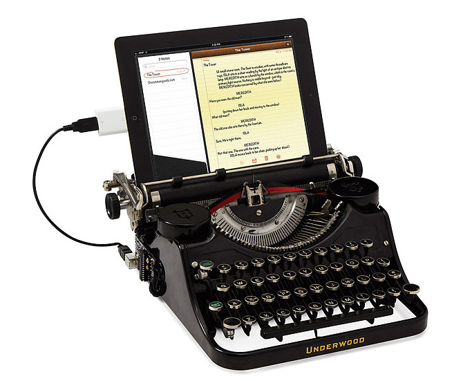 The USB Typewriter Brings the Old-School Word Processor Into the