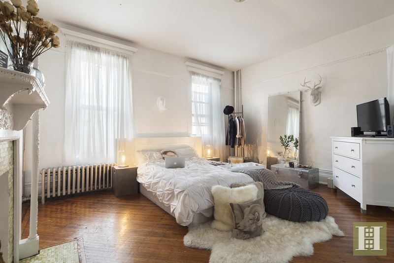 2m historic bed stuy brownstone comes with an ethereal interior 6sqft for Two bedroom apt in bed stuy area