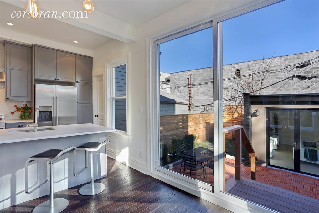 277 East 9th Street, dining room, deck, cedar deck, kensington